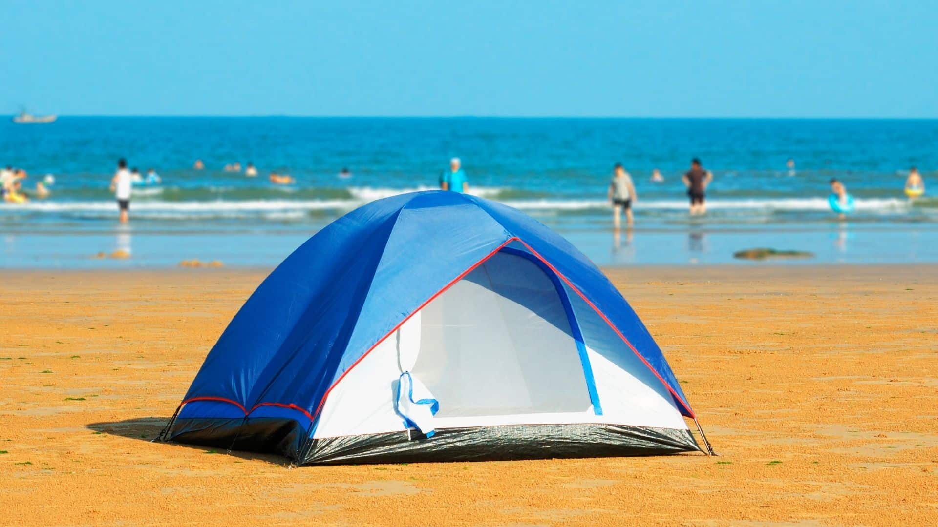 How to Secure a Tent on the Beach