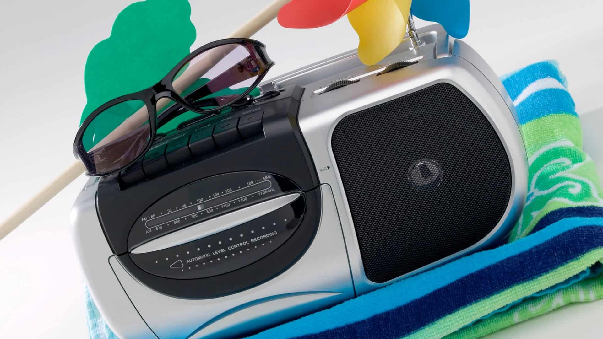 waterproof beach radio
