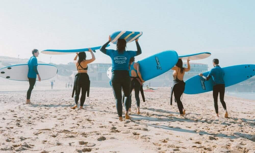 People learning to surf