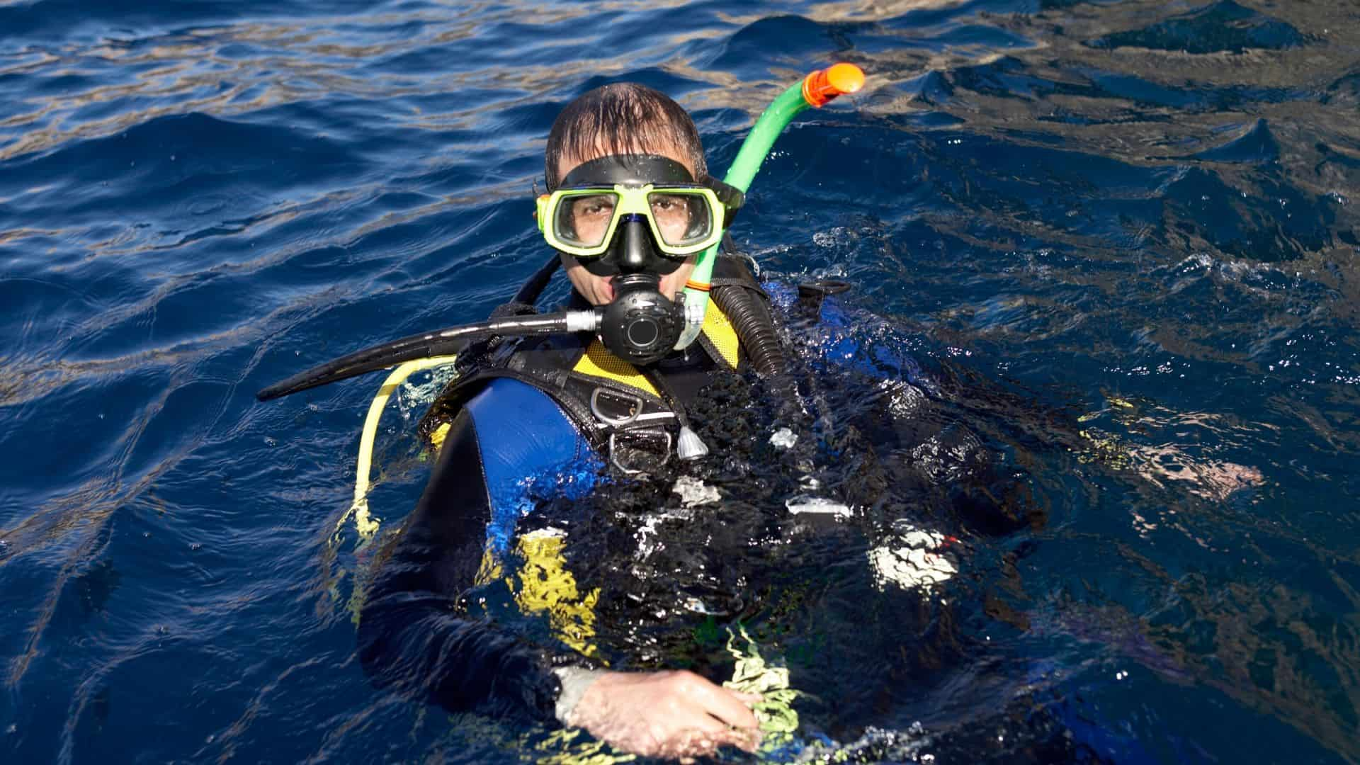 how to clean scuba gear