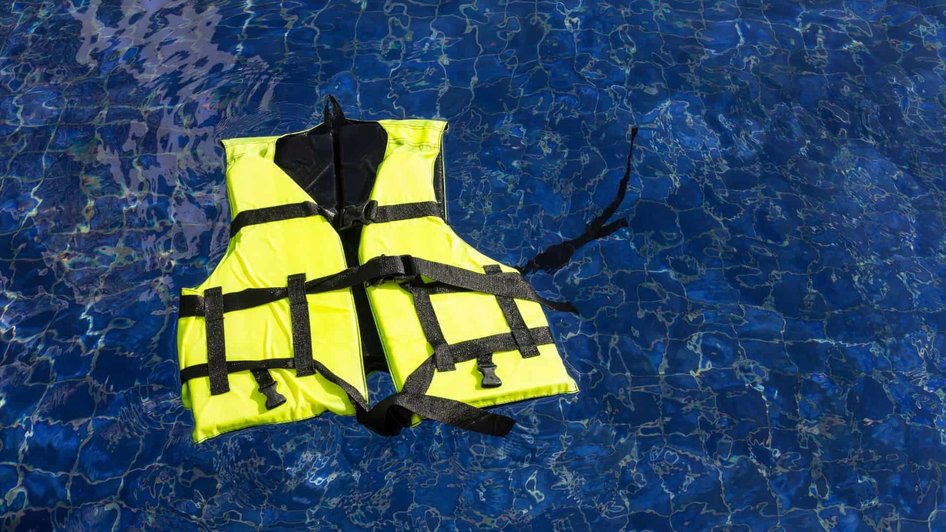 how to store life jackets