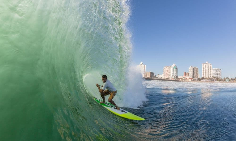 Surfing Hollow Wave