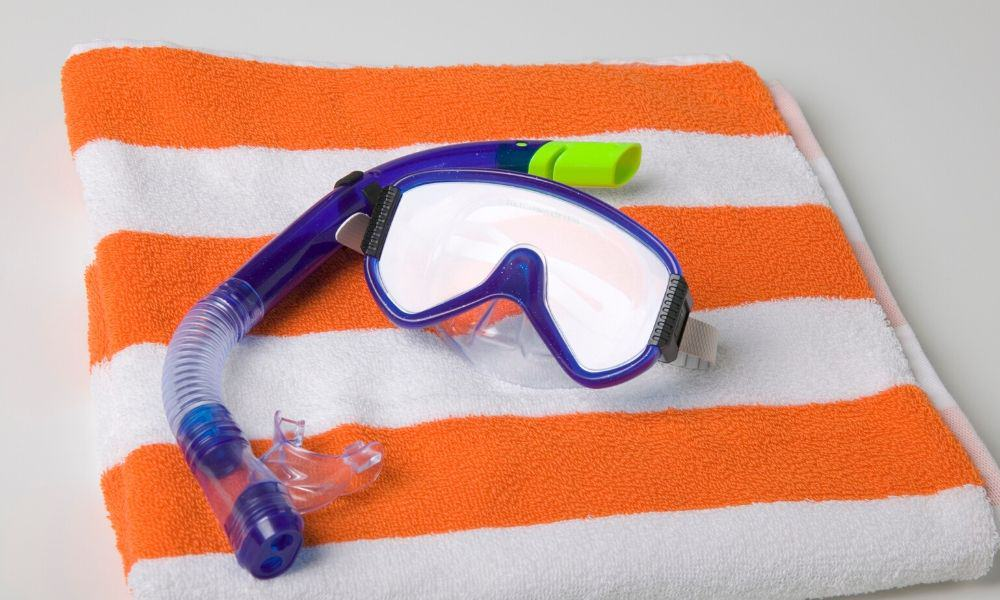 snorkel and mask drying
